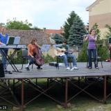 A Tuar együttes a színpadon